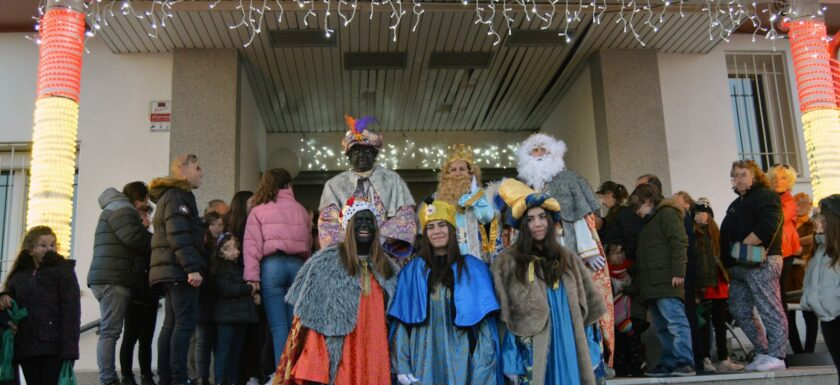 Los Reyes Magos visitan serracines
